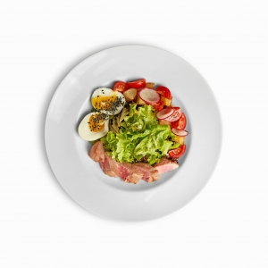 Салат з грильованим тунцем