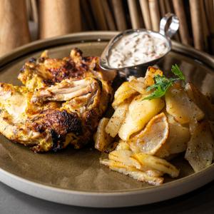 Курча з картоплею по-домашньому