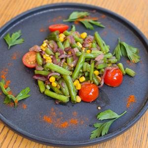 Шпарагівка з в'яленими томатами та кукурудзою