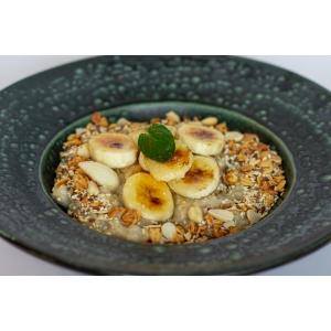 Вівсянка з бананом та гранолою (320 гр)