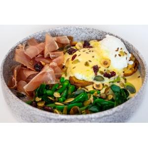 Яйця Бенедикт на підсмаженому бріоші з пармською шинкою (240 гр)