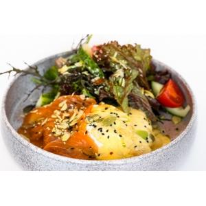 Хешбраун з яйцем пашот, лососем гравлакс та соусом голандез (250 гр)