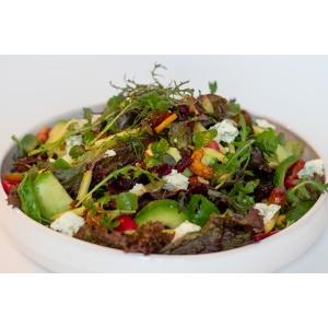 Великий зелений салат з хрустким манго та горіхами (290 гр)