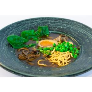 Грибний рамен з маринованим яйцем, шиїтаке та ароматним трюфелем (390 гр)