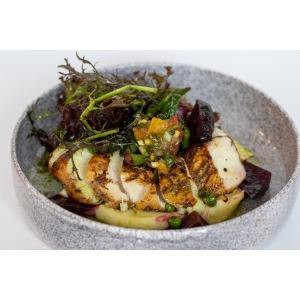 Куряче філе з картопляним пюре, зеленими овочами та манговою сальсою (340 гр)
