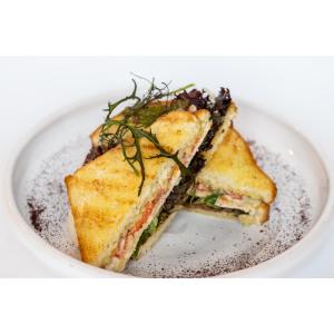 Сендвіч з куркою та соусом цезар (160 гр)